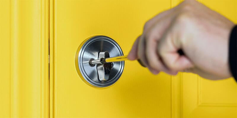 lock installation - Door Lock Boston